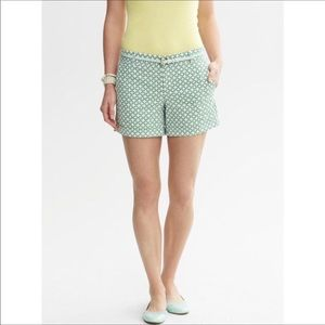 Banana Republic Green Geometric Shorts 10 Cotton